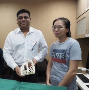 Singapour: Première reconstruction au monde d'une cage thoracique en polymère imprimé en 3D