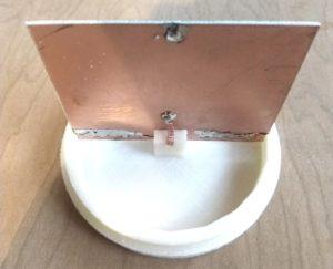 Une mini-antenne fouet simple et à faible courant