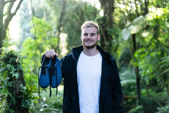 Un designer néo-zélandais remporte le prix Dyson pour ses chaussures imprimées en 3D