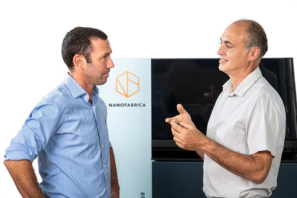3D Printing News Briefs, 7 novembre 2020 : Nanofabrica, Forward AM & Photocentric, Selfie3D & Stratasys