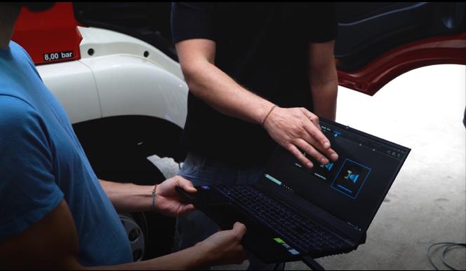 Comment la numérisation 3D aide les pompiers : Personnalisation d'un camion de pompiers Rosenbauer avec EinScan Pro HD